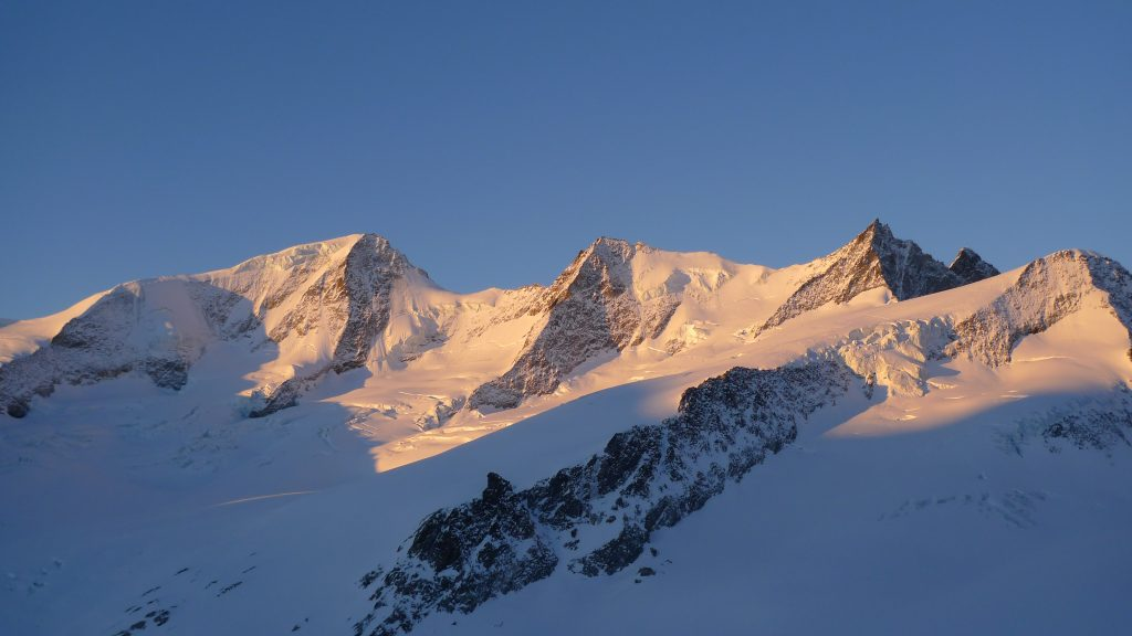 Off Piste Skiing and Ski Touring Courses Avalanche Courses. Oberland